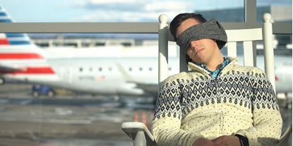 Obrázek Cestovní polštář s maskou na oči