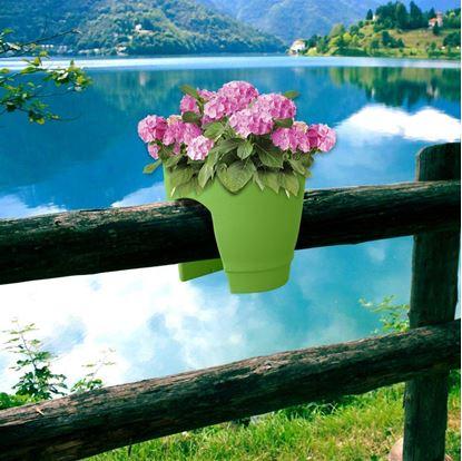 Obrázek Květináč na zábradlí